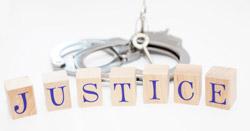 Justice et menottes