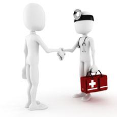 Médecin serrant la main d'un patient